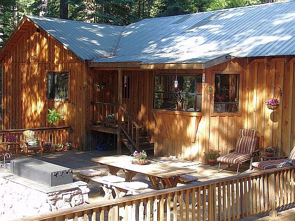 Sierra Solitude with large, sunny deck